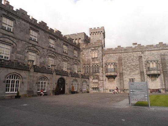 Kilkenny Castle: Pátio do Castelo