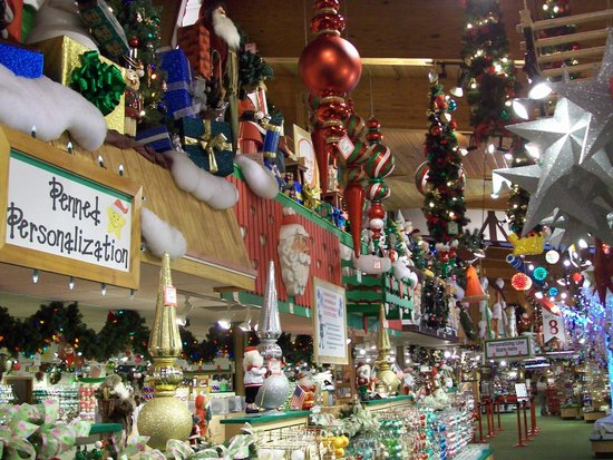 Bronner's Christmas Wonderland: Personalize your item