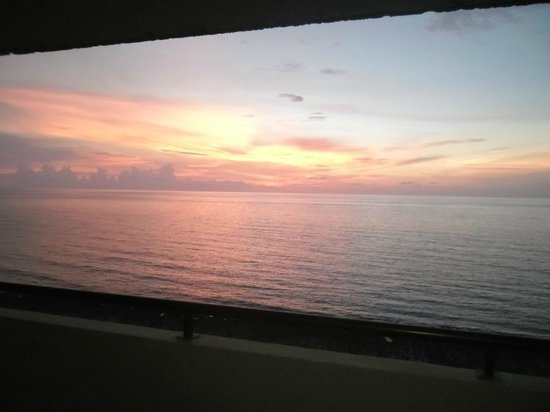 Melia Habana: Sunset from our first room