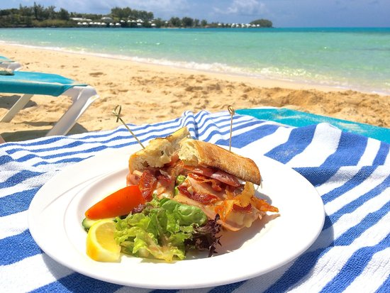 Cambridge Beaches: Lunch on the beach