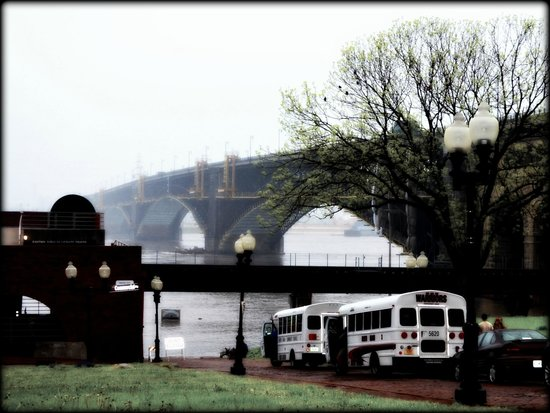 Eads Bridge : E B  St. Louis