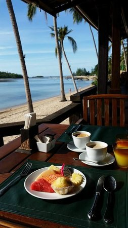 Nora Beach Resort and Spa: breakfast at the resort