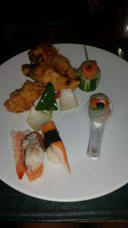 Nora Beach Resort and Spa: sushi