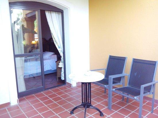 Hotel La Vinuela: Belle terrasse