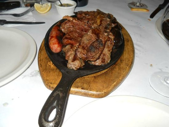 La Patagonia Argentina: Patagonia's Argentinian Grill good for three !