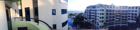 Cornelia De Luxe Resort: Вид из отеля