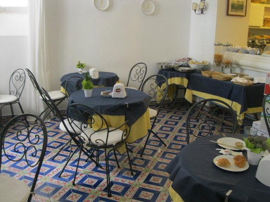 Hotel Casa Caprile: Breakfast room