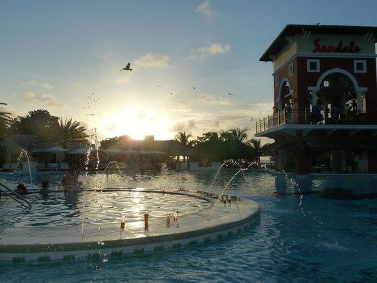 Sandals Grande Antigua Resort & Spa : Pool Area on Mediterranean side
