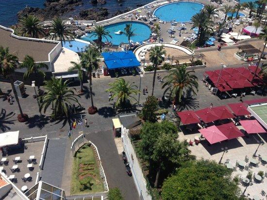Catalonia Las Vegas : Vistas desde la habitación (restaurantes del paseo marítimo)