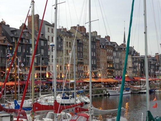 Réglisse et Pain d'Epices: View from Centre of town