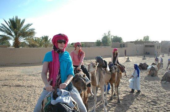 Hotel Kasbah Mohayut : Camino al campamento bereber