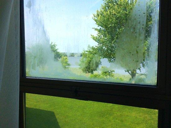 condensation fen tre clim chambre vs 40c dehors. Black Bedroom Furniture Sets. Home Design Ideas