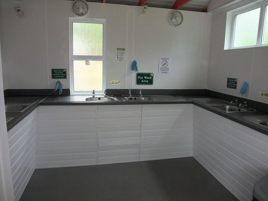 Hele Valley Holiday Park: pot wash