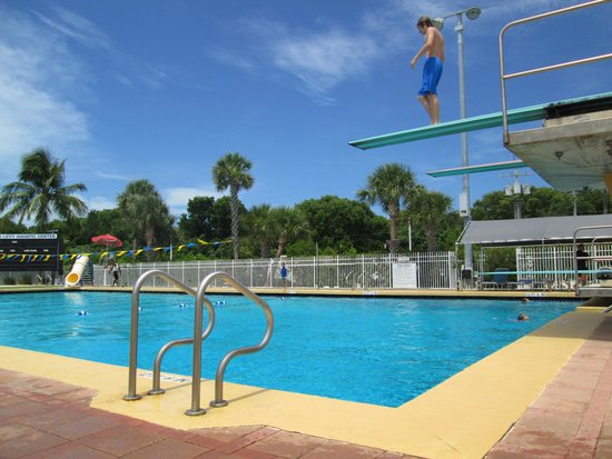 Founders Park: Pool - diving board section