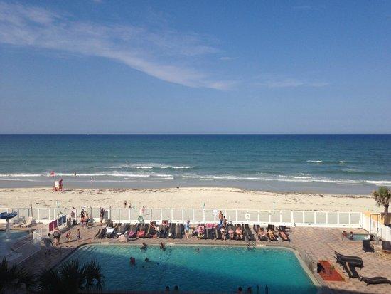 Holiday Inn Resort Daytona Beach Oceanfront: beautiful beach