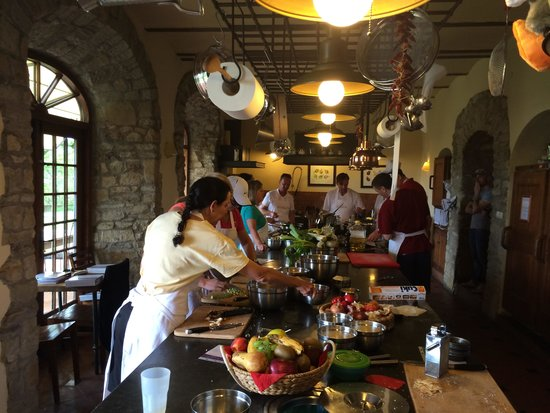 Torre del Tartufo Cooking Vacations Tuscany: Class time.