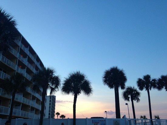 Holiday Inn Resort Daytona Beach Oceanfront: beautiful sky