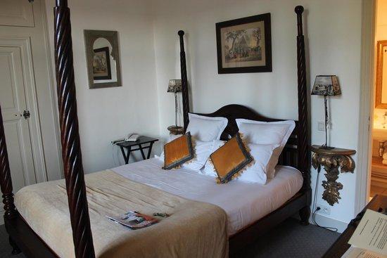 Hotel le Clos d'Amboise : Quarto enorme e confortável