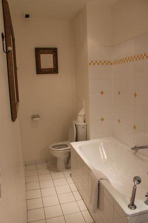 Hotel le Clos d'Amboise : Banheiro