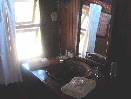 Mopaya Safari Lodge: Salle d'eau