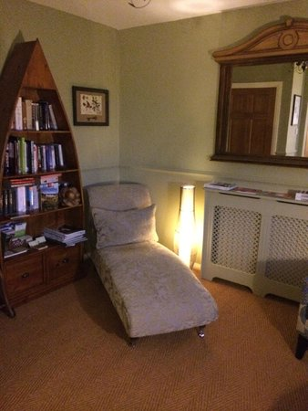 Wensleydale Farmhouse Bed & Breakfast: The snug