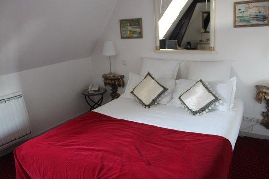 Hotel le Clos d'Amboise : Ótimo quarto