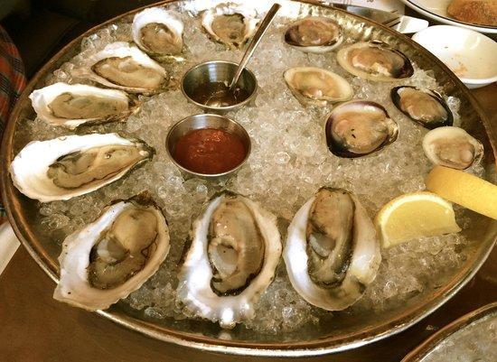 Island Creek Oyster Bar: Succulente variété d'huîtres!