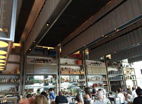 Island Creek Oyster Bar : Design urbain et chaleureux