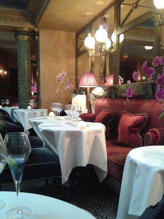Le Restaurant : La salle plutôt agréable
