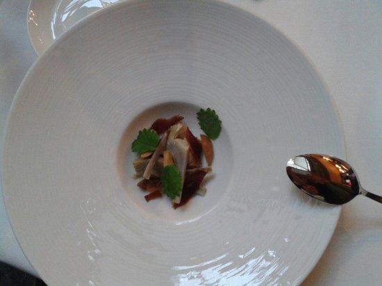 Le Restaurant : Des petits artichauts en guise de mise en bouche