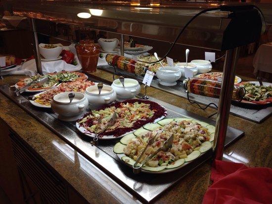 Universal Hotel Perla: 3 foto cena- ensaladas