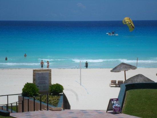 Emporio Hotel & Suites Cancún: Vista desde F-218A