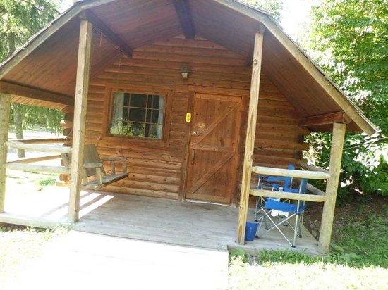 Hagerstown / Antietam Battlefield KOA: Cabin #15