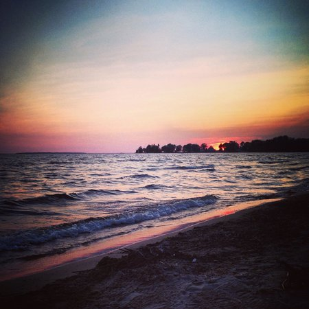 Adani Beach Retreat Bed & Breakfast: Gorgeous sunset