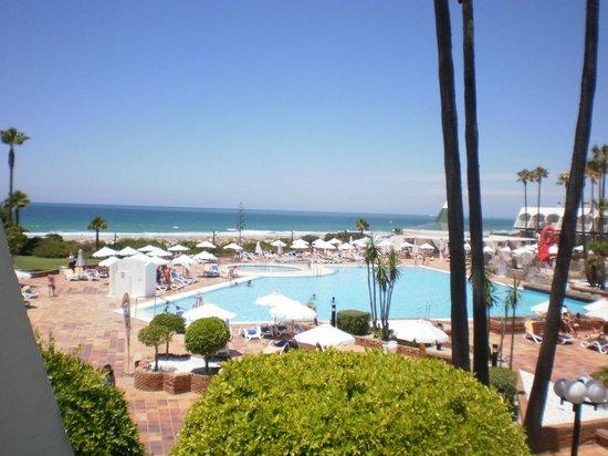 Iberostar Royal Andalus: vista de la piscina y la playa desde nuestra habitación