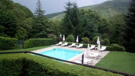 Holiday House Il Borgo dei Corsi : ..zona piscina..tranquillita a 360 gradi..