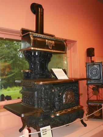 Adirondack Museum: Old stove