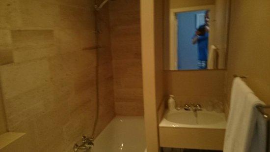 Hotel Alegria: Bad met douche