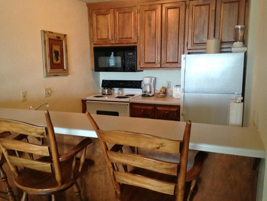 Bridgeport Resort: Kitchen