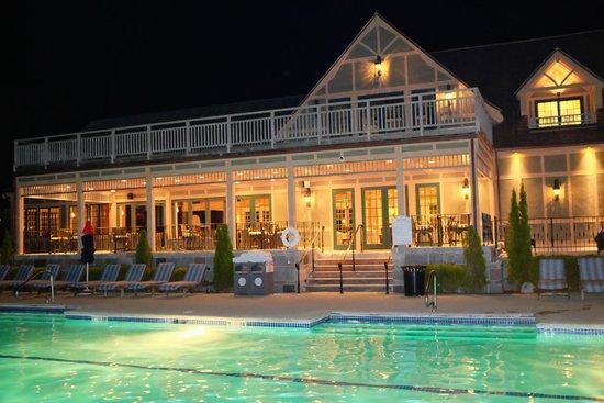 Harborside Hotel & Marina : Harbor Club pool under the stars