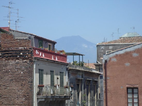 Hotel Royal: View of Etna from balcony