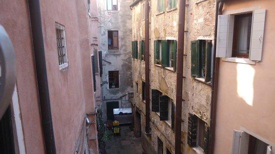 Ca' del Campo Hotel: Vista desde la otra habitación