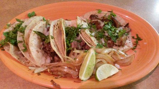 Real Mexico Restaurant Y Tienda: Tacos