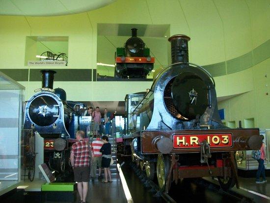 The Riverside Museum of Transport and Travel: unas locomotoras completas  fantasticas