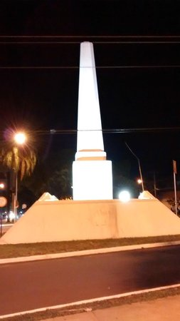 Obelisco: À noite.