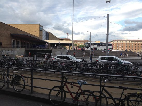 The Style Florence: Train station bus loop from main entrance