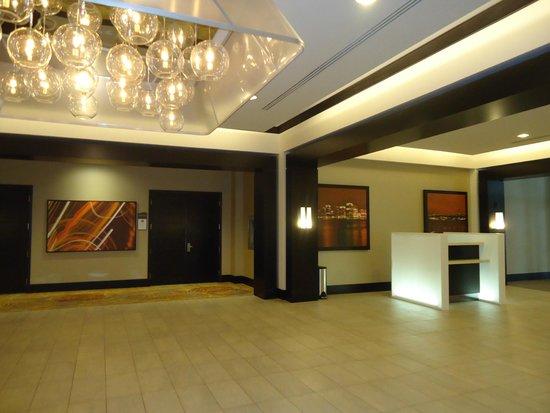 Halifax Marriott Harbourfront Hotel : холл