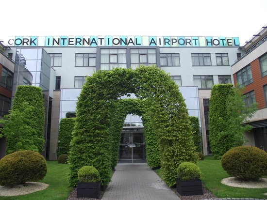 Cork International Hotel: Entry