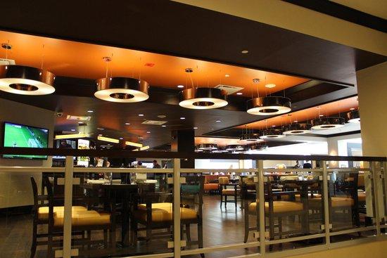 Halifax Marriott Harbourfront Hotel : ресторан на 1 этаже