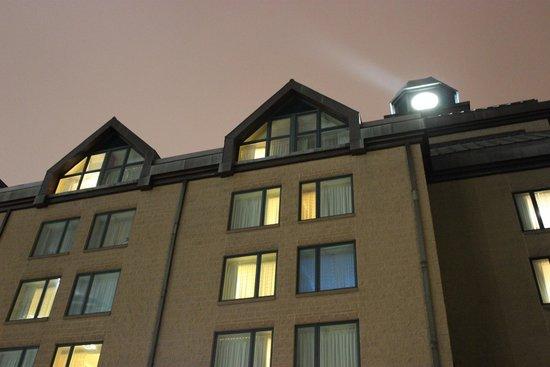 Halifax Marriott Harbourfront Hotel : левый верхний козырек - 569 номер